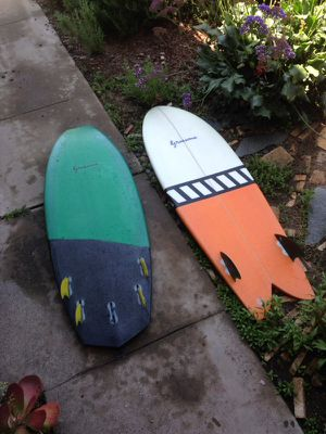 5'5 mini Simmons quad surfboard for Sale in San Diego, CA