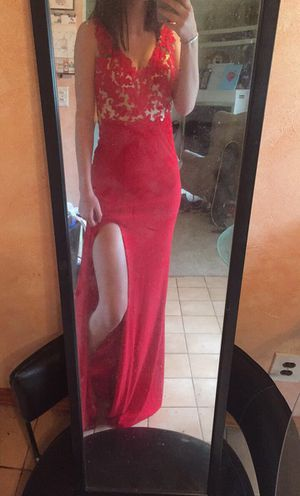 Giovanni red prom dress for Sale in Sheffield, OH