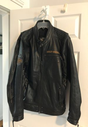 Harley Davidson 115th anniversary size large men's leather jacket for Sale in Blackstone, MA