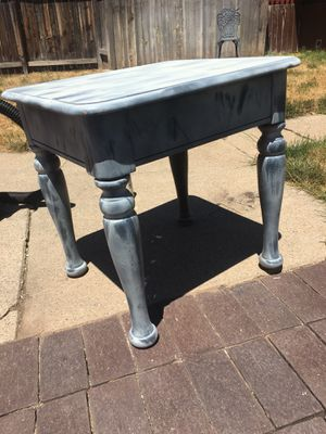 End table/night stand for Sale in Salt Lake City, UT