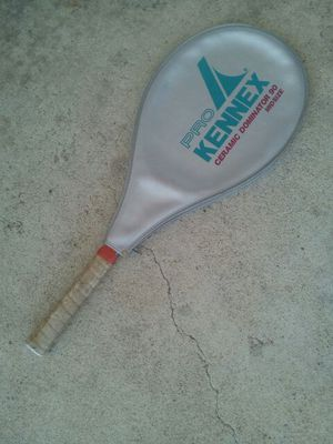 Tennis racket Pro Kennex Ceramic Dominator 90 Mid Size for Sale in Richmond, VA