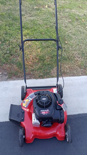 """BRIGGS & STRATTON LAWN MOWER 20"""" SIDE DISCHARGE 125cc for Sale in Bloomington, CA"""