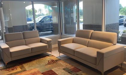 <!> $1099 White Sofa Set with Loveseat / {Financing Available} for Sale in Doral,  FL
