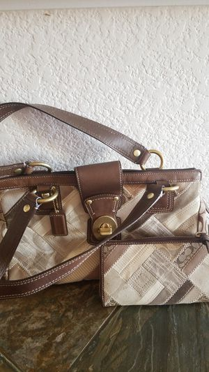 Ladies Coach purse with matching wallet for Sale in Arvada, CO