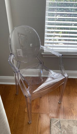 Set of 4 modern ghost chairs with arms in transparent crystal for Sale in Charlotte, NC