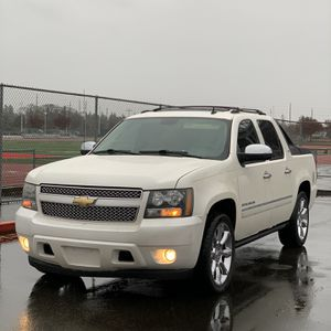 Chevy Avalanche 2010 LTZ for Sale in Lakewood, WA