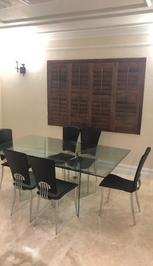 Glass Dinning Table and Chairs (Great Shape) for Sale in Miami, FL