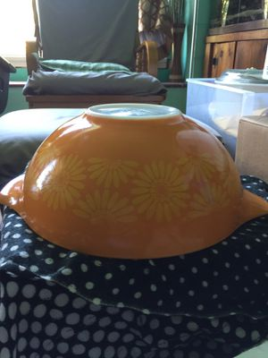 Vintage pyrex orange daisy 1960s for Sale in Long Beach, CA