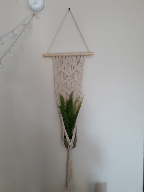 Knitted plant holder, comes with fake plant inside