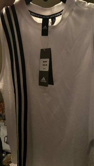 Brand new adidas shirt for Sale in Fresno, CA