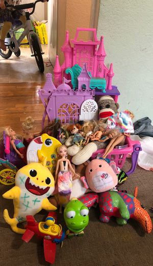 Lot of girl toys $15 for Sale in Joint Base Lewis-McChord, WA