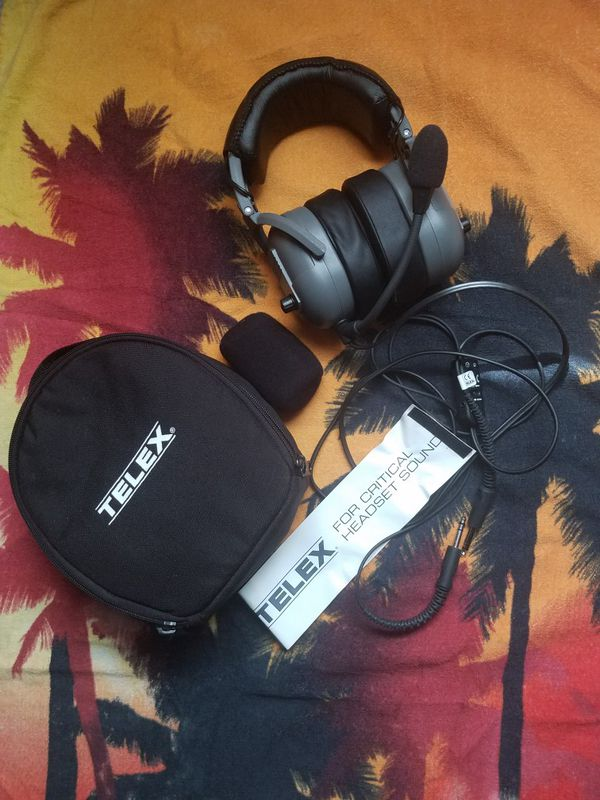 Telex 25xt Gaming/Aviator headphones and case