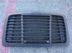 ✔✔✔🆕️🆕️🆕️ FREIGHTLINER CASCADIA GRILLE BLACK WITH BUG SCREEN 2008 - 2018 🆕️🆕️🆕️✔✔✔ for Sale in Fontana, CA