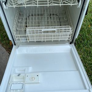 Frigidaire Dishwasher for Sale in Fort Lauderdale, FL