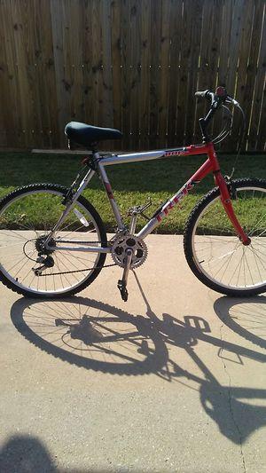 TREK 800 SPORT ST MOUNTAIN BIKE for Sale in Rockwall, TX