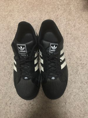 Adidas size 7y for Sale in Raleigh, NC