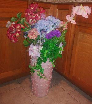 Beautiful big vase with flowers for Sale in St. Louis, MO