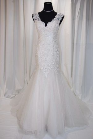 4th of July SALES! Cream beading mermaid wedding dress, size 2-4 for Sale in Cooper City, FL