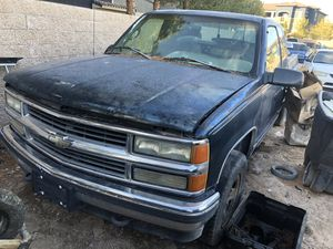 1995 Chevy Silverado K2500 Pick Up for Parts for Sale in Las Vegas, NV