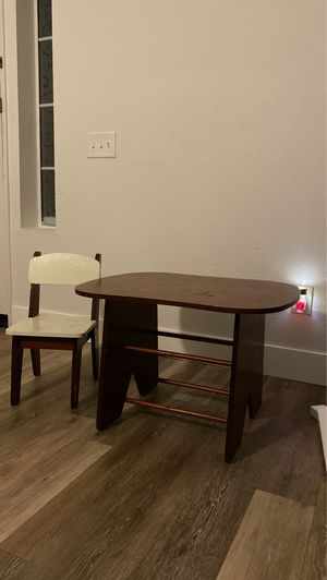 Kids table for Sale in Moreno Valley, CA