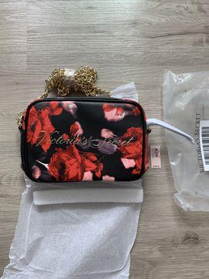 Victoria's Secret Roses Black shoulder bag (Brand New) for Sale in Federal Way, WA