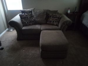 Love seat and ottoman for Sale in Beaumont, CA