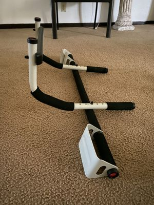 Pull up bar up too 150lbs max weight for Sale in Houston, TX