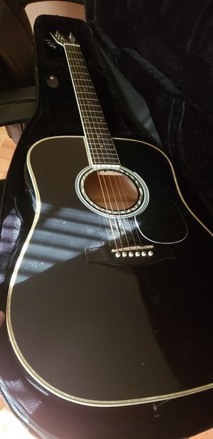 Acoustic guitar and amp for Sale in Millersville, MD