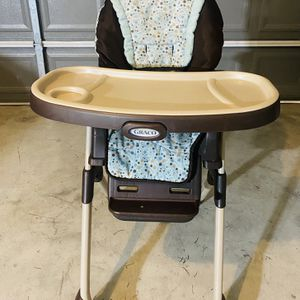 High Chair And Toys for Sale in Houston, TX