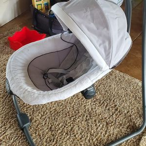 Graco Baby Swing for Sale in Aliquippa, PA