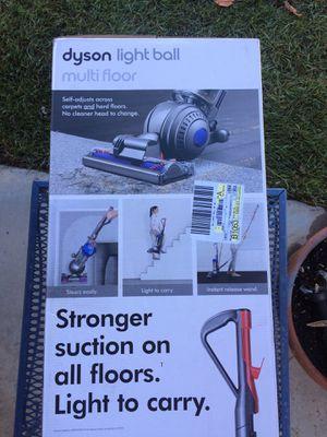 Dyson light ball multi floor vacuum for Sale in CA, US