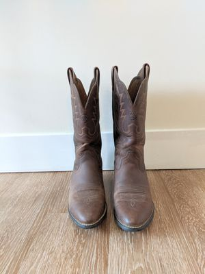 Women's Ariat cowboy boots size 7.5 B for Sale in Bluffdale, UT
