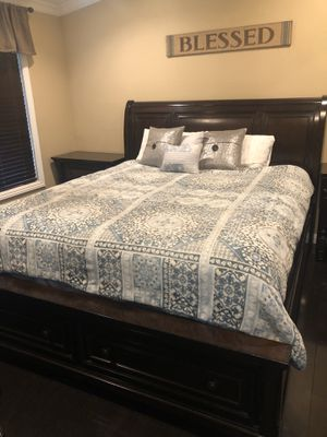King Bedroom Set for Sale in Claremont, CA