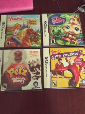 Nintendo DS- very good condition// 4 games//case//charger included! for Sale in Clayton, NC