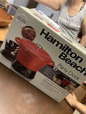 Party crock pot for Sale in Modesto, CA