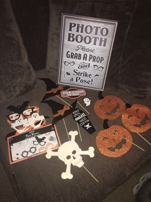 📸photo booth props 🎃☠️ for Sale in Corona, CA