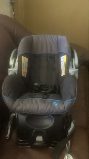 Baby Trend infant car seat and base for Sale in Daytona Beach, FL