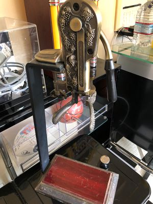 Reserve wine opener corker for Sale in Chula Vista, CA