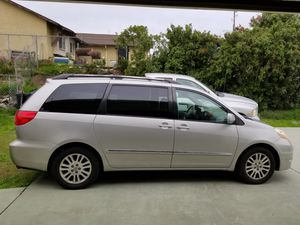 08 Toyota Sienna limited sport for Sale in San Diego, CA