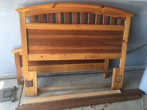 Queen bed frame for Sale in Yuma, AZ