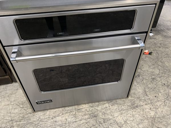 """30"""" viking single oven in stainless steel"""