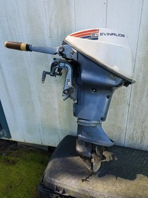 9.5 hp Evinrude boat motor for Sale in Keysville, VA