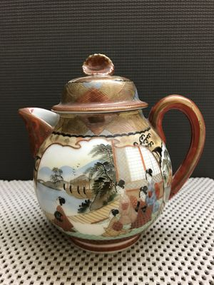 Antique Japanese Meiji Period Hand Painted Kutani Porcelain Teapot for Sale in Kennesaw, GA