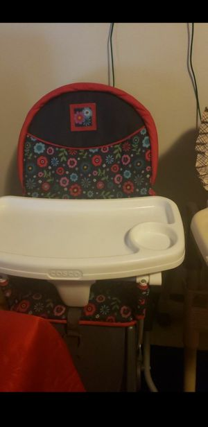 Girls free high chair for Sale in Lake Forest Park, WA