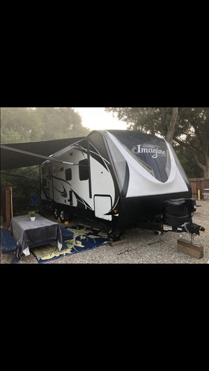2018 Grand Design Travel Trailer for Sale in Fresno, CA
