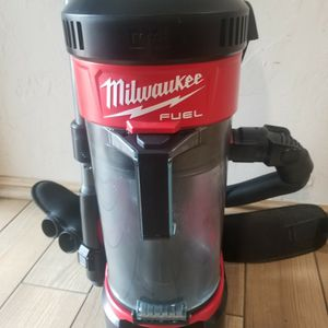 Milwaukee M18 FUEL 18-Volt Lithium-Ion Brushless 1 Gal. Cordless 3-in-1 Backpack Vacuum (Tool-Only) for Sale in Irving, TX