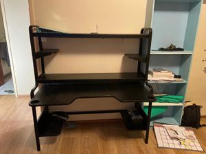Black computer desk for Sale in Alameda, CA