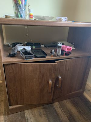 tv stand/ cabinent for Sale in Cleveland, OH