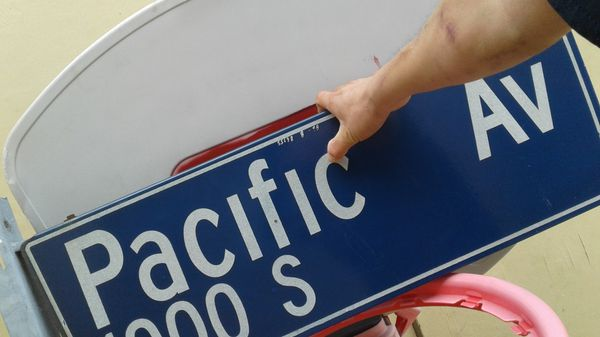 Pacific ave. Street sign.