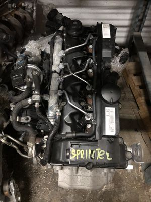 PARTS FOR MERCEDES SPRINTER ENGINE 2.1 DISEL 4 CYLINDER PARTES for Sale in Miami Gardens, FL